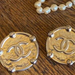 CHANEL Vintage Earrings Haute Couture Gold CC Logo